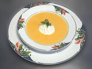 Apfel-Sellerie-Cremesuppe mit Hirsenocken